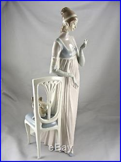 Lladro Lady Empire #4719 Tall Chair And Dog