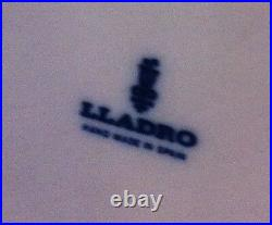 Lladro Lady Empire Porcelain Figurine with tall chair and dog
