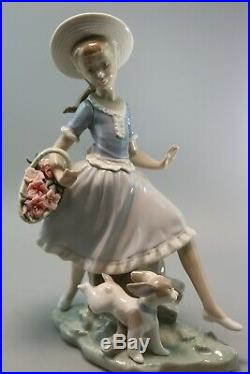 Lladro. Mirth In The Country. Girl With Flowers With Puppy Dog. Retired. 4920