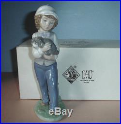 Lladro Nao Best Buddies Boy & Dog Figurine 01135 Mi Amigo Tom Hand-Painted Boxed