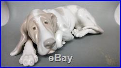 Lladro Old Dog 1067 Figurine Blood Hound
