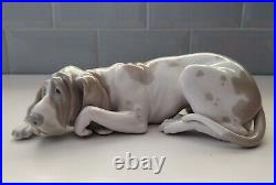 Lladro Old Dog, 1067. Retired, Lovely Condition, Approx 9.5 Length