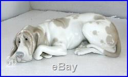 Lladro Old Hound Dog Figurine 1067 Retired Excellent