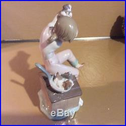 Lladro. Pick Of The Litter. Girl Playing With Puppies On Dog House. #7621