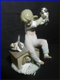 Lladro Pick of the Litter #7621 Girl with Dog & Pups withOriginal Box Mint VT2025