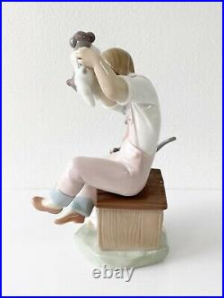 Lladro Pick of the Litter 7621 Porcelain Figurine Girl with Dog & Puppies