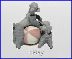 Lladro Porcelain PLAYFUL DOGS Poodles with Ball Figurine #1258 RARE Matte finish