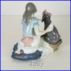 Lladro Porcelain Take your medicine 1991 Perfect for that Dog Lover