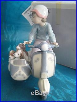 Lladro Precious Cargo Boy On Vespa Motorcycle With Dogs In Side Car 5794 + Box