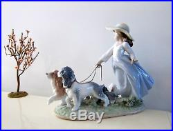 Lladro Privilege Puppy Parade # 6784 Girl Taking Dogs For Walk Figurine 2000