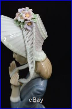 Lladro Rare Retired Figurine #1537 Stepping Out Lady Walking With Dog