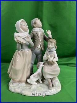Lladro Retired Children Dog Singing Christmas Carol #1239