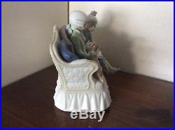 Lladro STORY TIME #5229, Boy and Girl Reading with Dog, RARE Mint Condition