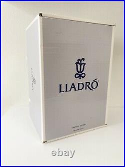 Lladro Santa's Little Secret Figurine Magical Workshop 6890 With Box Dog