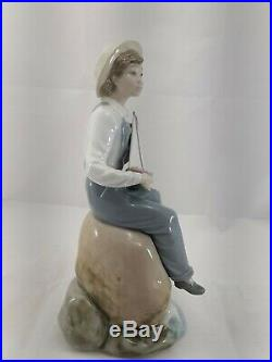 Lladro Sea Fever Figurine Boy with Dog and Sailboat Porcelain Figurine #5166 withbox