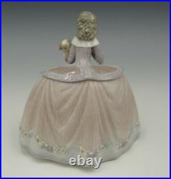 Lladro Spain 1990 Historical Collection Pilar Girl With Dog Figurine 5410