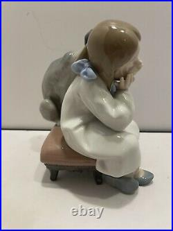 Lladro Spain Figurine WE Can't PLAY #5706 Girl With Her Dog Retired mint con