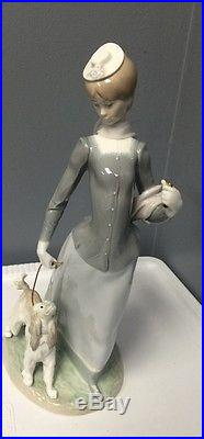 Lladro Spain Glossy Lady With Shawl And Dog #4914 1974 Retired Missing Parasol