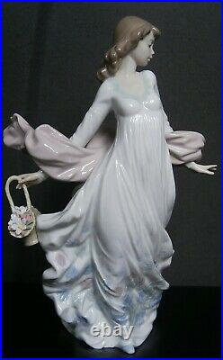 Lladro Spring Splendour Woman Figurine #5898