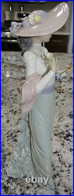 Lladro Sundays Best Figurine #6246 Grey Woman Dog Statue Mint