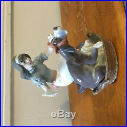 Lladro Take Your Medicine #5921 Girl Coaxing Dog To Take Medicine $500 Mint