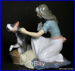 Lladro Take Your Medicine #5921 Girl Giving Her Dog Medicine Mint
