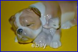 Lladro Unlikely Friends Bulldog Dog and Cat Figurine #6417 Made in Spain 1996