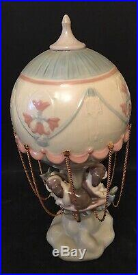 Lladro Up and Away. 6524. Dogs in hot air ballon. Mint in box