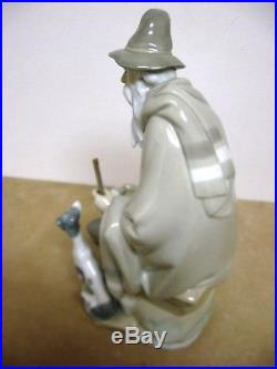 Lladro figurine 1094 THE BEGGAR 10.5 Resting with his walking stick & dog