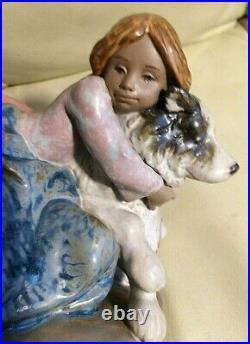 Lladro figurine #2200 A Big Hug Gres Finish