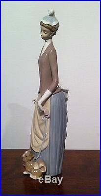 Lladro figurine Lady Woman Umbrella Puppy Dog 4761 New Original Box Stroll