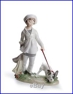 Lladro girl walking a dog 01008522 GIRL WITH FRENCH BULLDOG 8522 in original Bo