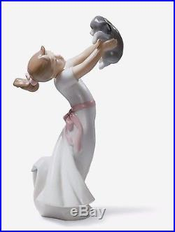 Lladro girl with dog 01008032 THE BEST OF FRIENDS 8032 Brand New in Box