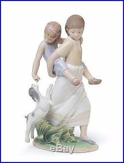 Lladro girls sisters dogs 01008353 OH HAPPY DAYS 8353 in original Box