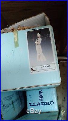 Lladro-retired #4893 Walking the Dog Rare Matte finish Original Box