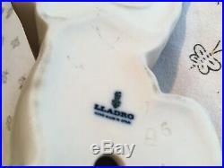 Lladro sleepy dog figurine, handmade in Spain. Glossy porcelain. Free priority ship
