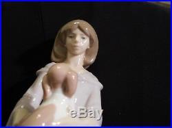 Llardo Girl with dog and blanket figurine, Spain 11.5