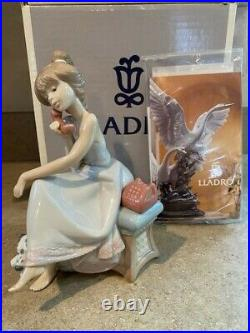 MINT Lladro 5466 Chit Chat Girl on phone with dog at side. Original Box