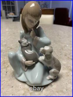 MINT Lladro Figurine #5640 Cat Nap Girl with Dog & Sleeping Cat