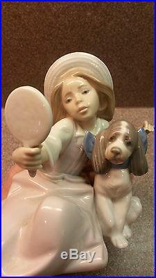 Mint Glazed Lladro Porcelain Figurine #5468 Who's The Fairest Girl Mirror Dog