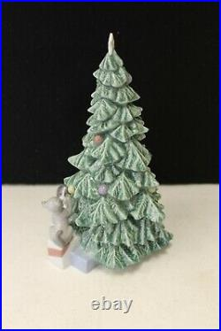 Nao By Lladro Christmas Mischief #1620 X-mas Dog Cat (42584)