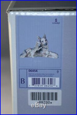 New LLadro German Shepherd Dog & 2 Puppies # 6454 Retired in 2001 with Box Mint