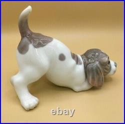 PLAYFUL PUPPY by LLADRO Porcelain Figurine Sculpture Dog Beagle #1070 Retired