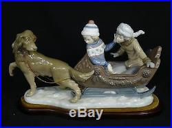 RARE LARGE LLADRO 5037 SLEIGH CHILDREN and SLED-DOG FIGURINE with WOOD BASE 11