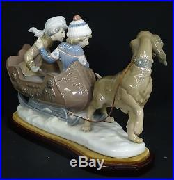 RARE LARGE LLADRO SLEIGH CHILDREN and SLED-DOG FIGURINE with WOOD BASE 11