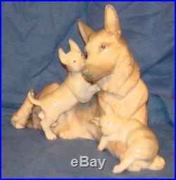 RARE LLADRO GERMAN SHEPHERD DOG WithPUPPIES -#6454 with box