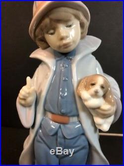 RARE LLADRO LITTLE FIREMAN Boy with Puppy Dog figurine #6334 Mint Condition