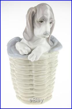 RARE Lladro Dog in Basket #1128 Porcelain Figurine Discontinued 1985 EXCELLENT