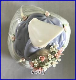 RARE! Lladro Fine Porcelain Figurine Petite Maiden #5383 José Puche Retired
