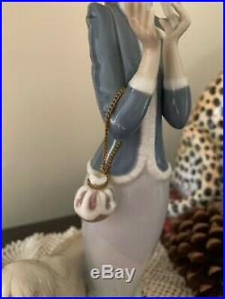 Rare LLADRO SPAIN STEPPING OUT #1537 LADY WITH AFGHAN HOUND DOG FIGURINE